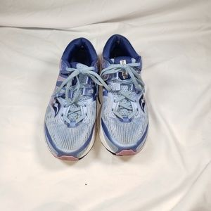 Saucony everun running  blue sneakers size 9